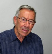 Photo of Dr Peter Richardson